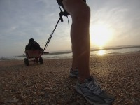 Beach expedition: good weather, a broken cart and a heavy thunderstorm at night