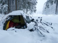 10 tips to stay warm when camping in cold autumn and winter weather